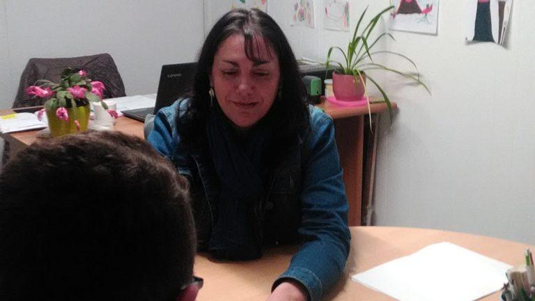 Séverine Tiveyrat et un élève